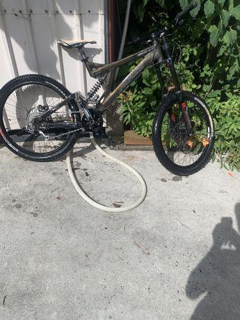 Bike de downhill Specialized big hit 3 ,ver descrição