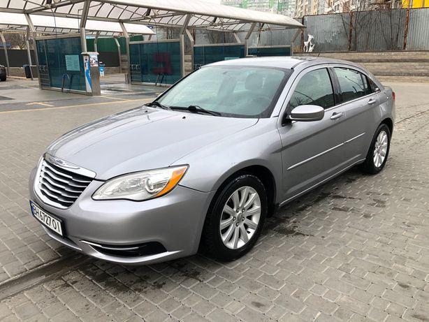 Chrysler 200. 2014 год