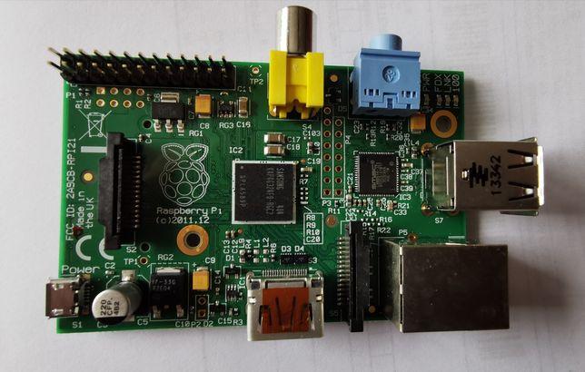 2x Mikrokomputer Raspberry Pi 1 i karta SDHC 4 GB