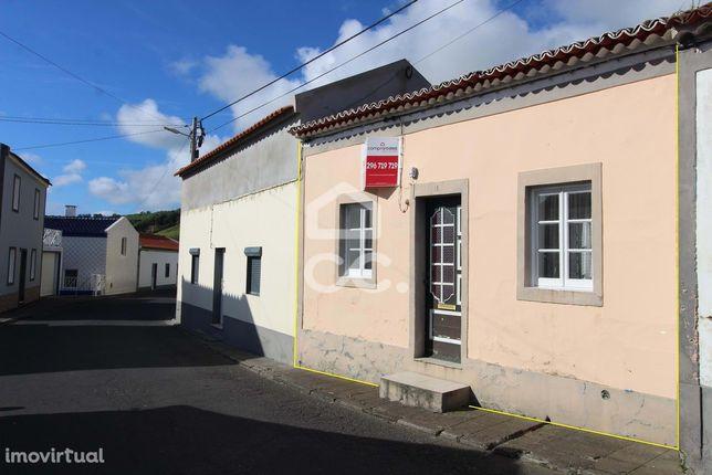 Moradia de 3 Quartos - Feteiras - Ponta Delgada