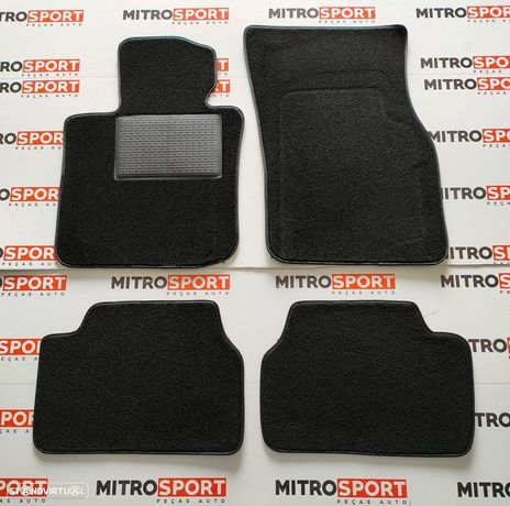 Jogo de 4 Tapetes para Land Rover Defender 90/110/130   Mitrosport