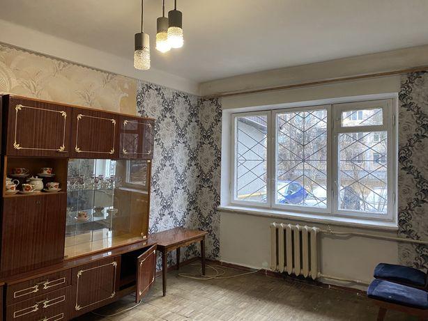 Срочно! Продается квартира , г. Киев , ул. Стеценко 11