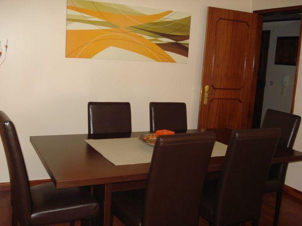 Conjunto Mesa Jantar + Cadeiras Em Napa Cor Wengue