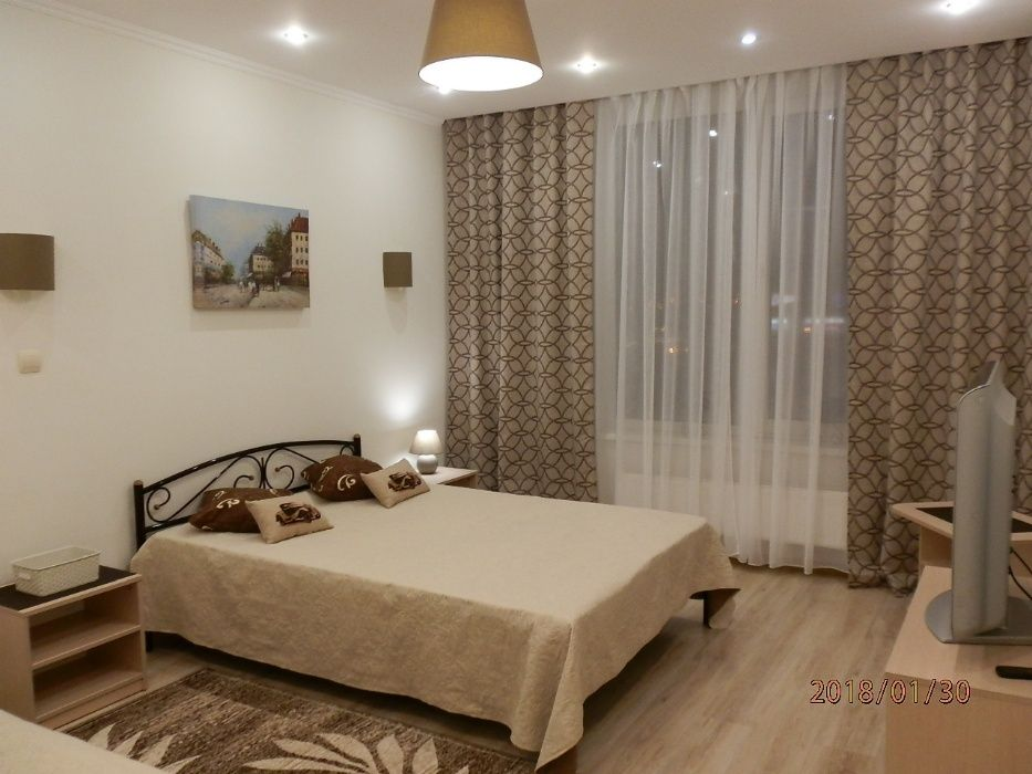 Посуточно 1-комнатная в новом элитном доме на Оболони (Минская)-1