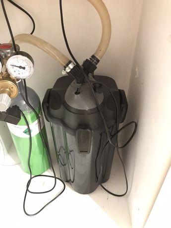 2x filtr Unimax250 + 2 prefiltry + Reaktor CO2 Sera