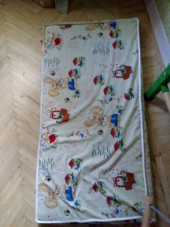 Продам Матрас в детскую кроватку 200 грн.