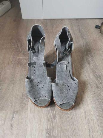 Sandálias XUZ - Nº 40