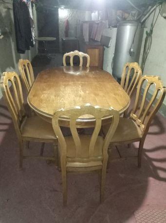 Excelente mesa .