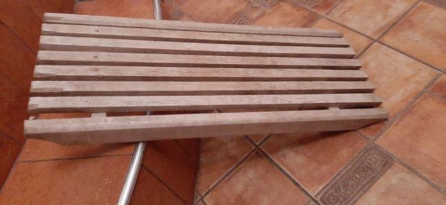 Сиденье в ванную,деревянное.В отличном состоянии.