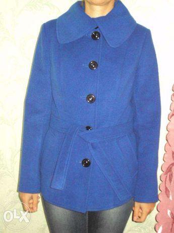 Пальто демисезонное 46 размера