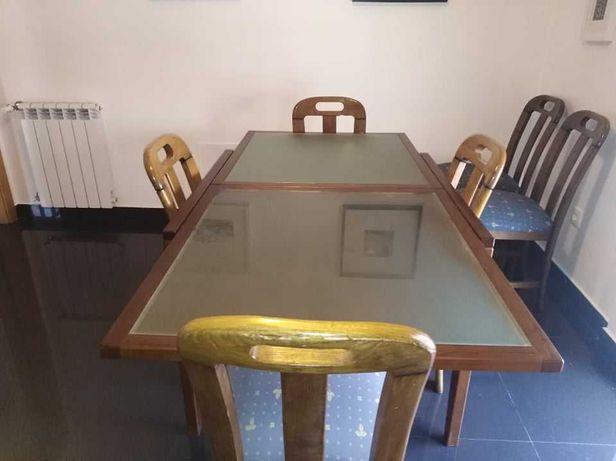 Mesa extensivel de cozinha ou sala