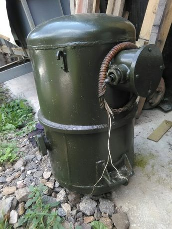 Холодильный герметичный компрессор