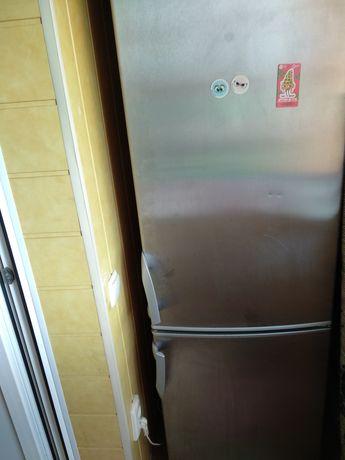 Холодильник Горения серый