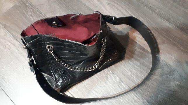 Czarna torebka skóra krokodyl Zara eco mala łańcuch pasek