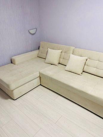 Угловой диван  светло -бежевый Киев (шулявка)