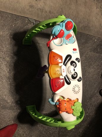 Zabawka interaktywna stoliczek