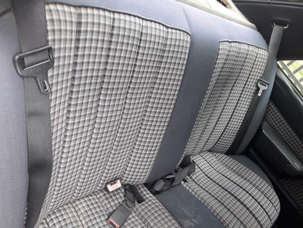 Mercedes 190 w201 kanapa