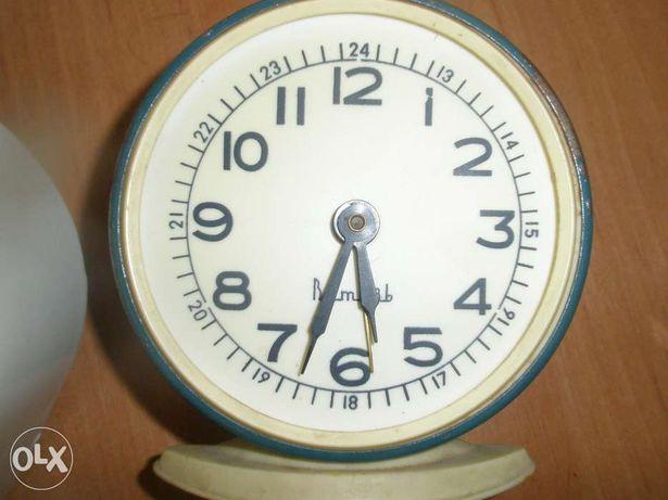 часы будильники СССР