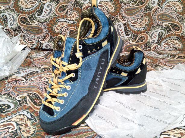треккинговые кроссовки Tantu, стелька 25,5 см