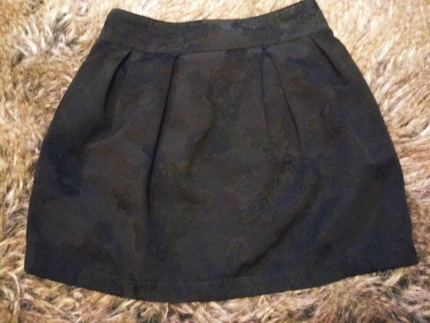 spódnica Bershka 34/36 xs/s czarna w tłoczenia wysoki stan