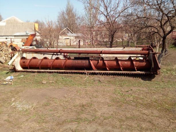 Жатка Дон1500-6м с лихтерами для уборки подсолнечника.