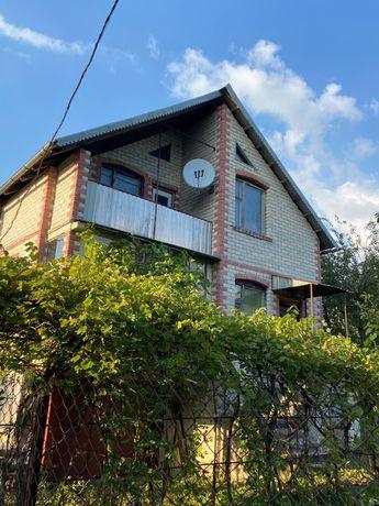 Дача, приватний будинок поряд з Івачевським ставом
