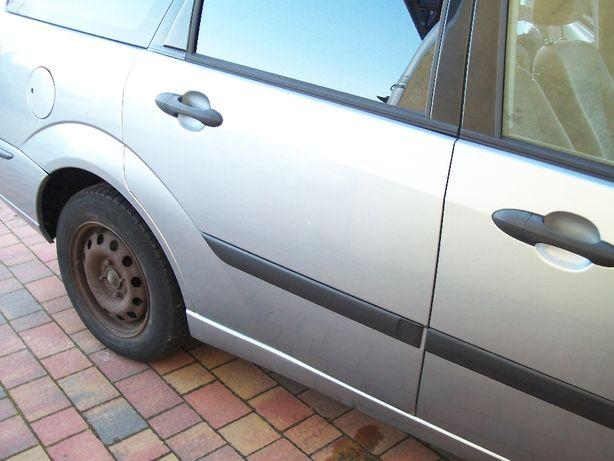 drzwi tył prawy ford focus kombi mk1 D1