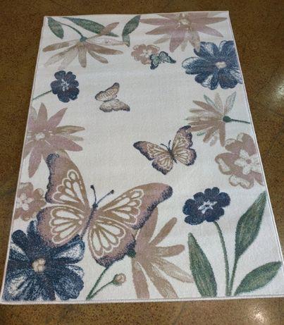 Ковер с бабочками в детскую
