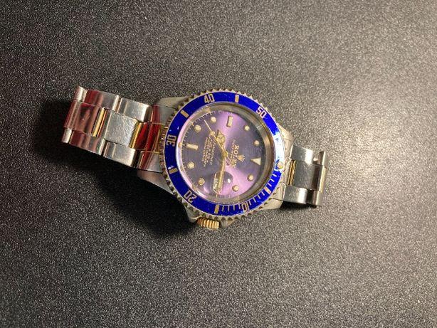 Kwarcowy zegarek ze srebrną bransoletą - fioletowa tarcza