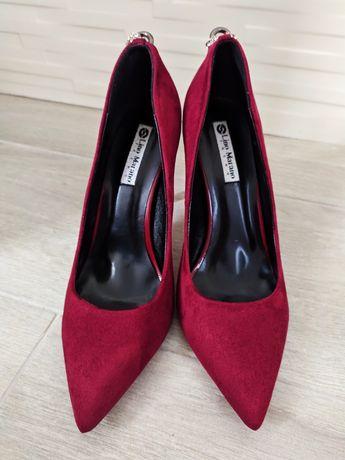 Жіночі туфлі 39 розміру
