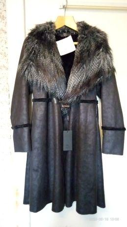Пальто легкое элегантное