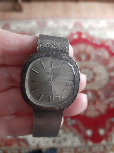 Zegarek premira srebrny