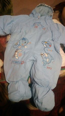 Продам ползунки кофточки костюмчики для новорожденых