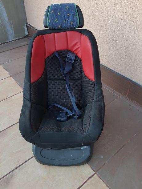 Fotelik samochodowy dzieciecy