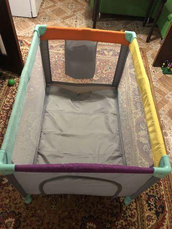 Продам детский манеж-кровать