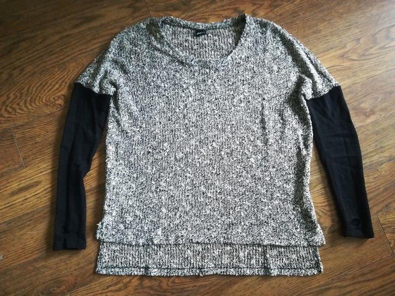 Melanżowy szary sweter czarny rękaw Gdynia - image 1