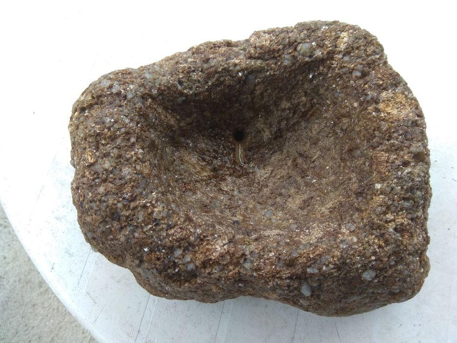 Saboneteira em Pedra Mões - imagem 1