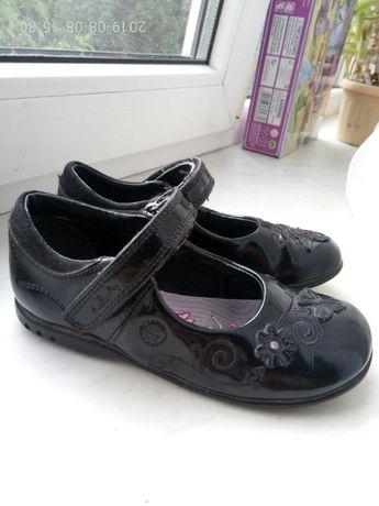 Туфлі шкіряні clarks розмір 27.5-28 або 9.5