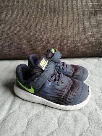 Buty chłopięce Nike 23,5, 13 cm