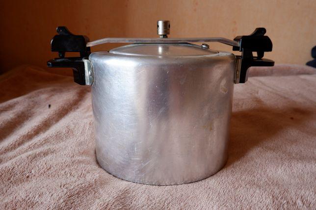 garnek aluminiowy z przykrywką PRL