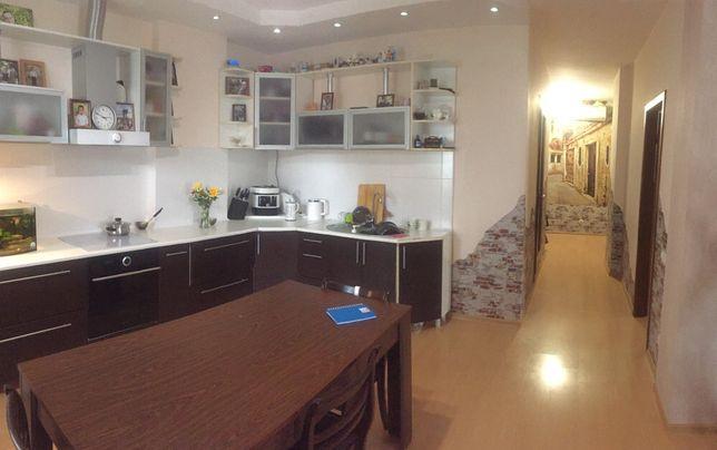 Обалденная квартира, веерная планировка, новый дом на Заболотного