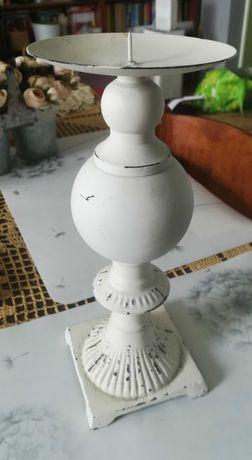 Świecznik metalowy duży biały postarzany 27 cm