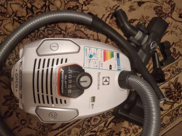 Odkurzacz elektrolux silent performer na gwarancji