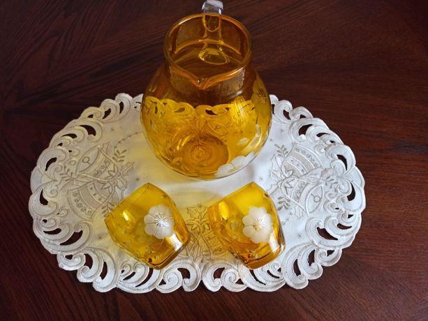 Винтажный кувшин и две стакана СССР из желтого стекла