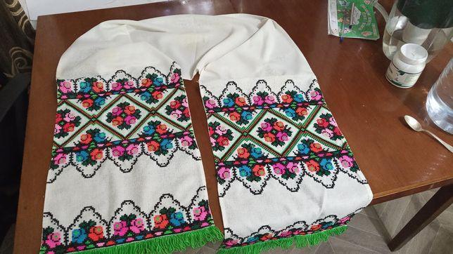 Рушник традиционный рушник вишитий вручну висел в хате на иконах