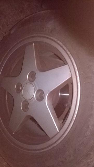 pneus Pirelli / Nereus com jantes ford peugeot citroen