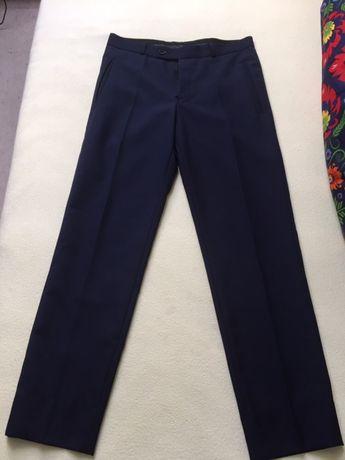 Eleganckie spodnie dla młodego gentelmana