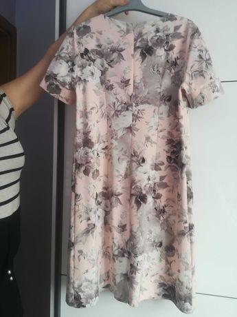 Sukienka pudrowy róż rozmiar 40