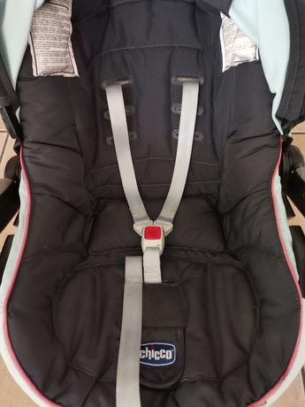 Ovo ou cadeira de carro da chicco em estado razoável, marcas de uso .