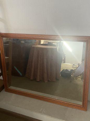 Espelho grande com rebordo de madeira 110x80